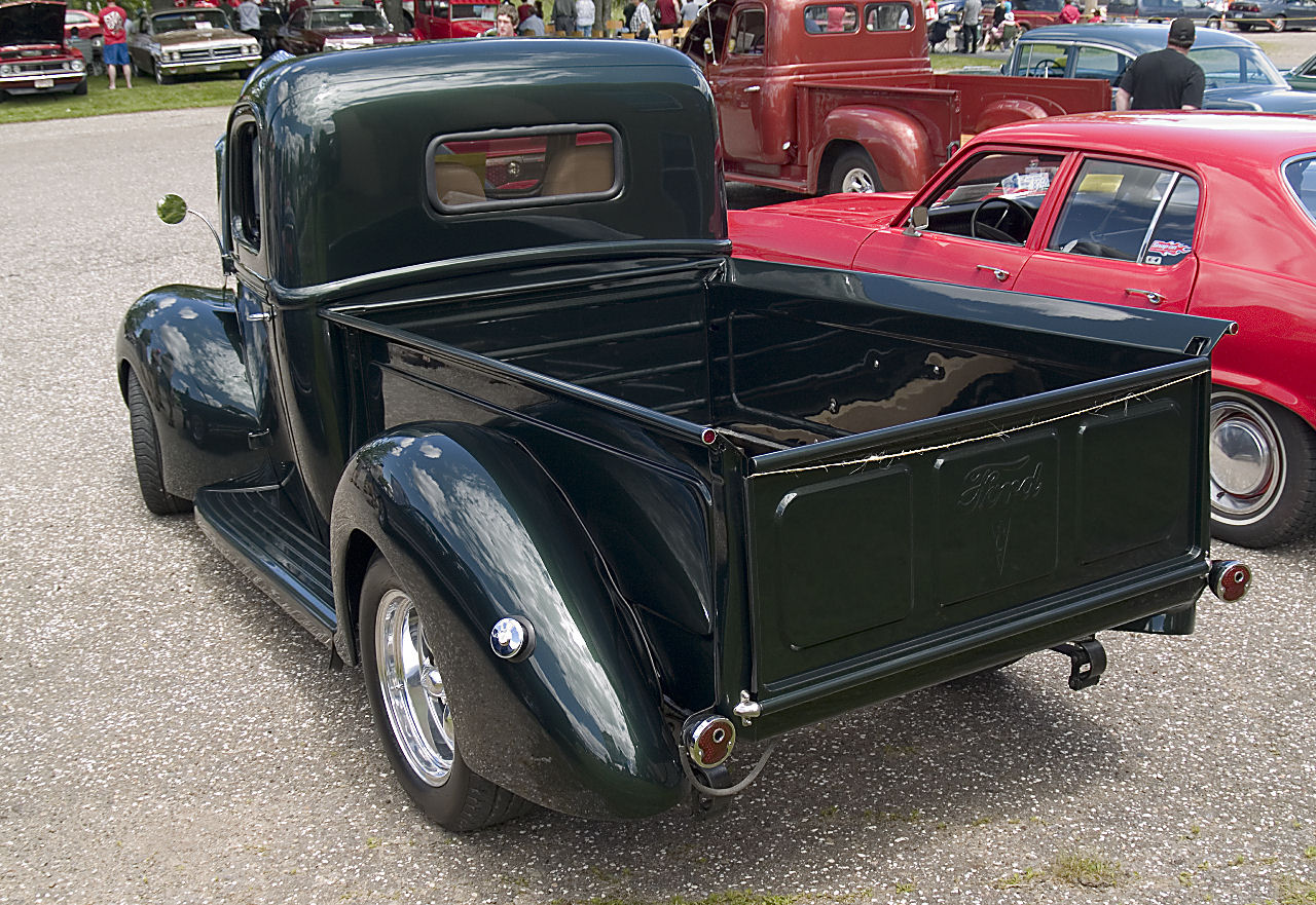 1941 Ford pickup mildrod rv=KRM.jpg