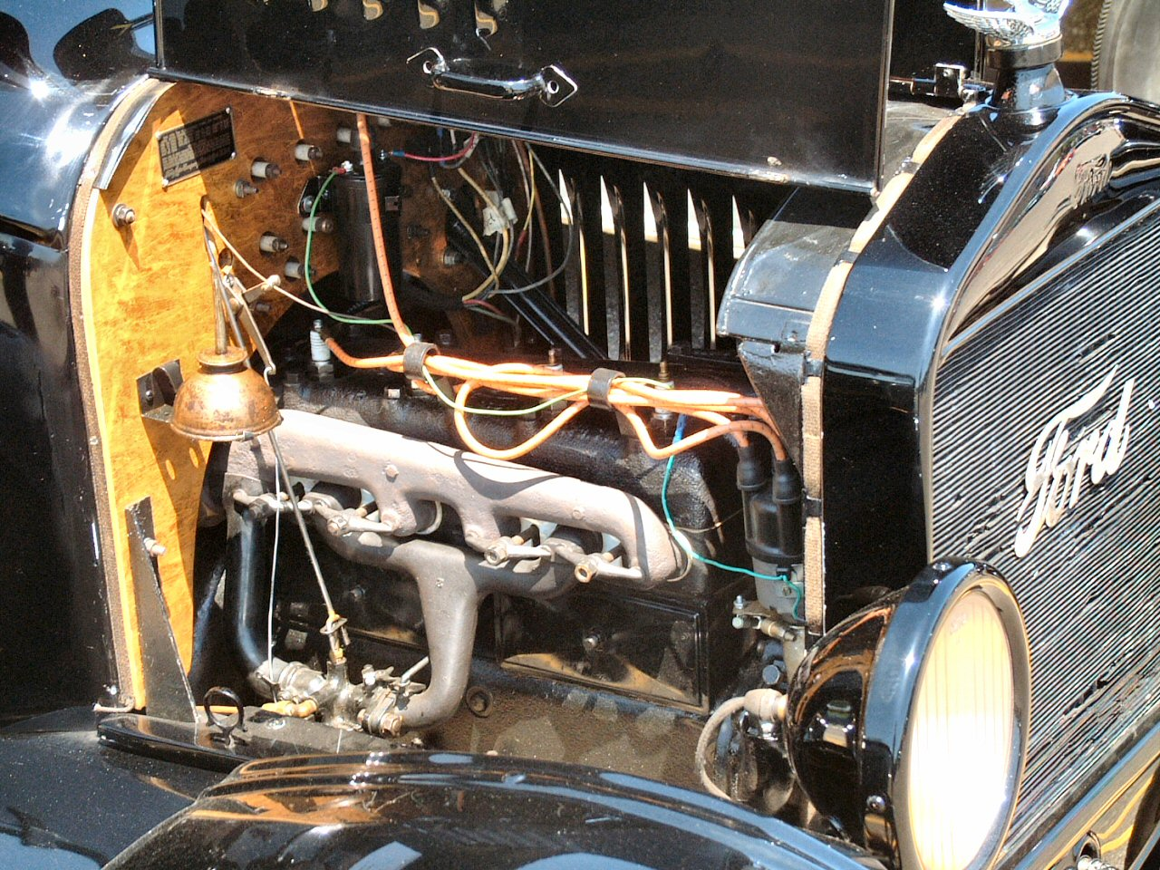 1917 Ford Model T Pickup Black Engine (2004 CEMA) F.jpg